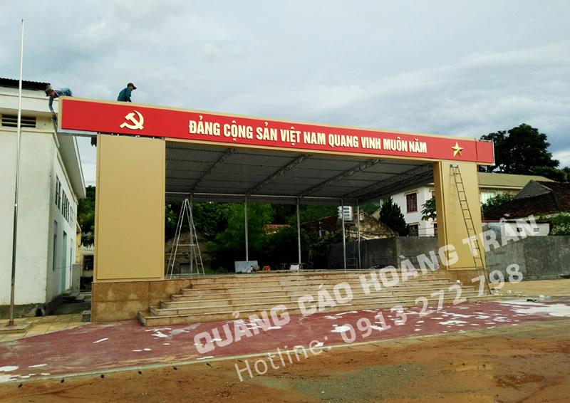 Biển quảng cáo chữ nổi Alu gương vàng tại Nghệ An